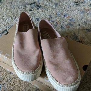 Tom's slip on shoes